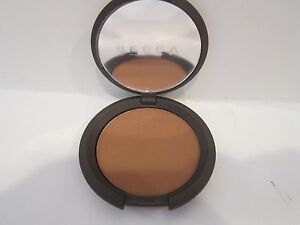 New! Becca Mineral Face Powder Foundation in Armour Great for All Skin Types!!