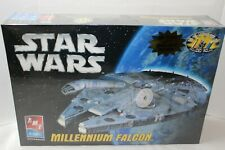 Ertl  2005 Star Wars Millennium Falcon model