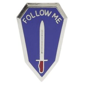 Follow Me Infantry School Fort Ft Benning 1 inch Hat Pin H14872 F4D34W