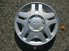 one genuine 1999 to 2000 Ford Windstar Taurus hubcap wheel cover