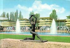 """Essen  -  Grugapark - Skulptur """"Tänzerin"""" vor dem Aquarium zur Bundesgartenschau"""