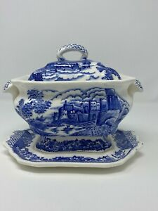 """Vintage Soup Tureen """"Made in Japan"""" Blue and White"""