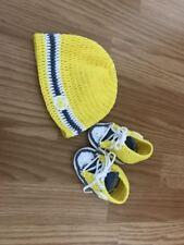 Baby Set gehäkelt Schuhe Sneakers Mütze Größe 0-3 Monate