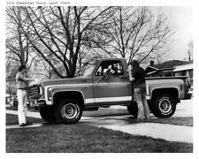 1976 Chevrolet Sport Truck Photo Poster zu6284-OPOV74