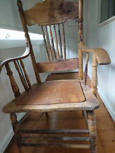 American  Antique  Pressed back carver Chair With Spindles.   NOT  rocking chr
