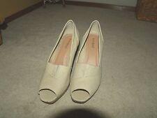 Beautiful Cream/beige BAMBOO Cork Wedge Womens dress shoes Size 10M