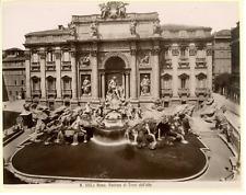 Italie, Roma, Fontana di Trevi dall'alto Vintage albumen print.  Tirage a