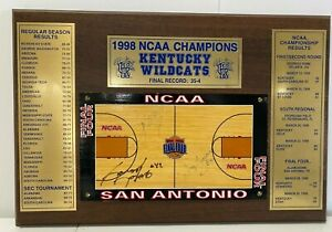 Vintage Kentucky Wildcats 1998 NCAA Champions Wood Wall Hanging Plaque Autograph