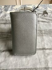 BUXTON SILVER LEATHER SNAP CLOSE ID/CC HOLDER SLIM LIGHT WEIGHT