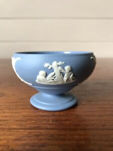 Vintage Wedgwood Jasperware Small Footed Trinket Dish Made In England 1959