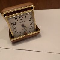 Travel Pop Up Gold Tone Alarm Clock In Tan Case By Seth Thomas