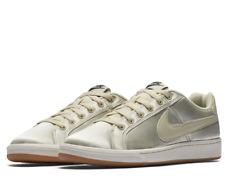 Nike Women's Court Royale Shoes SE Lace-Up 882170