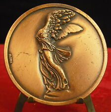Médaille La Victoire de Samothrace Musée Louvre grecque Déesse Niké medal