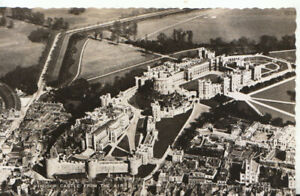 Berkshire Postcard - Aerial View of Windsor Castle - Real Photograph  Ref TZ5976