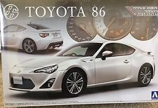 1/24 2012 Toyota 86 / Scion FR-S / GT-86 - with LHD Parts - Aoshima #002209