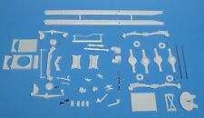 AMT White Freightliner Dual Drive Truck Tractor Frame & Suspension Set 1/25