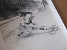 PHOTO JEUNE FILLE CARIOLE A PEDALE VOITURETTE 1910