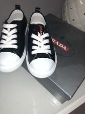 Prada Sneaker Sportschuhe Kinder schwarz Echt Leder Grösse 29 Neu mit LOGO 2b266ad7c0