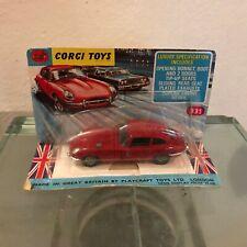 """Corgi Toys 335 Jaguar 4,2 litre """"E"""" Type 2+2"""