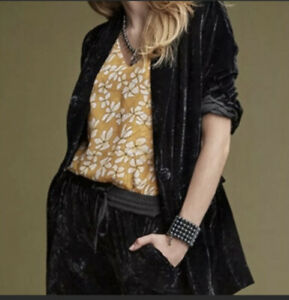 CAbi #3661 Black Velvet Long Sleeve Single Button Hostess Jacket Medium