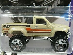 HOT WHEELS VHTF 2013 SHOWROOM SERIES 1987 TOYOTA PICKUP TRUCK