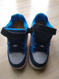 X2 Heelys UK kids size 1 - hardly worn