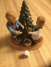 Avon Christmas Memories Keeping The Family Tradition 1982W/Thimble