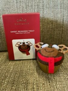 n 2021 Hallmark SWEET REINDEER TREAT Cupcake Limited Edition Ornament *NIB*