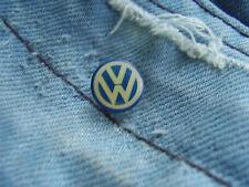 Pin VW Logo Volkswagen AG PKW und Nutzfahrzeuge Wolfsburg Deutschland Germany