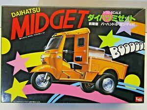 LS Vintage 1:32 Scale Daihatsu Midget Model Kit - New - Kit # C315-300