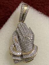 10 kt yellow gold 3.7 Grams praying hands diamond pendant 1 Inches Not Scrap