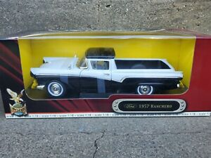 Road Legends 1957 Ford Ranchero 1:18 Scale Diecast Model Car Black/White