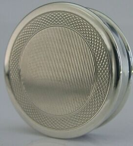 TOP QUALITY ENGLISH STERLING SILVER ENGINE TURNED SNUFF PILL BOX 1975