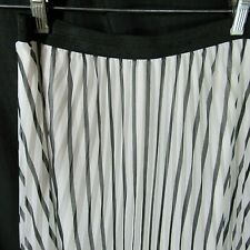 Black White Skirt 6 Pleats Stripes Long Maxi Travel Friendly by Atmosphere Small