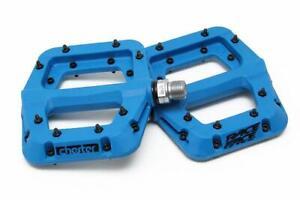 """Race Face Chester Composite Platform Pedals: 9/16"""" Pair Flat Pedal MTB-Blue"""