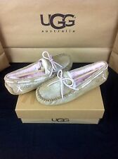 UGG AUSTRALIA DAKOTA SHINY CHESTNUT BREAST CANCER AWARENESS SLIPPERS SIZE 7 US