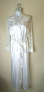 In Bloom By Jonquil Women's White  Beaded Sequence Lace Sleeve Long Robe Size XL