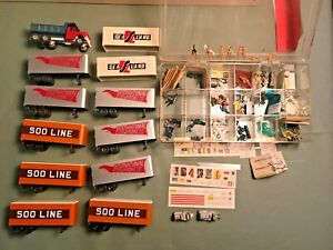 HO TRAIN ACCESSORIES FIGURINES PIGGY BACK TRUCKS PARTS MORE! NUDES, NICE LOT!