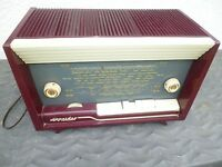 VINTAGE radio TSF SCNNEIDER en bakélite en état de marche sur 220 volts