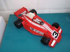 17.06.18.4 Voiture Formule 1 F1 rouge Joustra metal et plastique 22cm