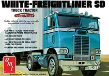 AMT White Freightliner SD Single Drive Cabover Tractor model kit 1/25