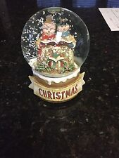 Sankyo Music Box Christmas Carolers with Falling Snow in Globe with Music tune
