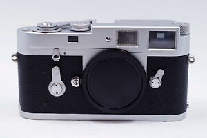 Mint- Leica Ernst Leitz Wetzlar M2 Late SN Film Rangefinder Camera