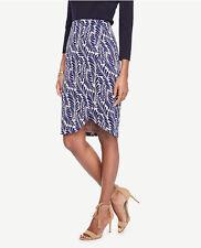 NWT New Ann Taylor Leaf Petal Pencil Skirt. Lined. 4