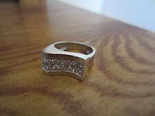 10K WG WHITE GOLD RING-5.8 GRAMS- (Size 7)