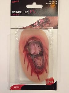 Fake Broken Bone Wound Latex Halloween Prosthetic Sticking Out Through Cut Gash
