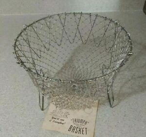 Vintage 1960s Collapsible Triumph French Wire Mesh Egg Basket w Instructions