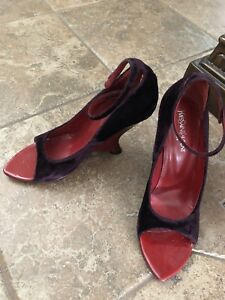 Womens Size 40.5 Yves Saint Laurent  Tai Tai Purple Suede Peep Toe Wedge Pump