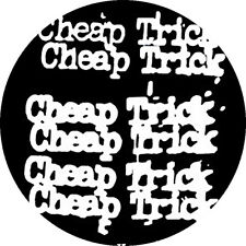 CHAPA/BADGE CHEAP TRICK . pin button rick nielsen robin zander thin lizzy