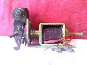 ROLLS ROYCE SILVER SPUR BENTLEY  GAS DOOR SOLENOID FUEL CAP RELEASE UD73661